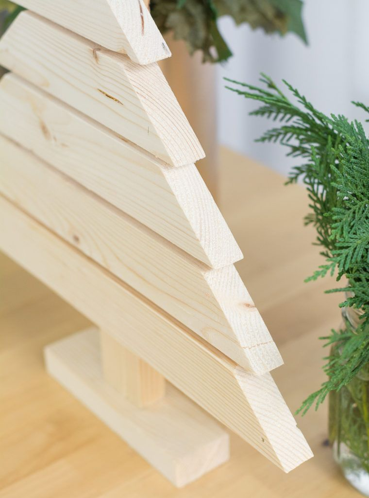 Rustic and Modern Wood Christmas Tree DIY
