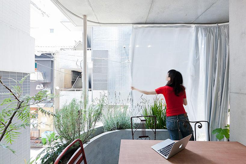 Ryue Nichizawa Balcony