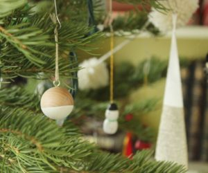 Simple and Modern DIY Scandinavian Christmas Decor