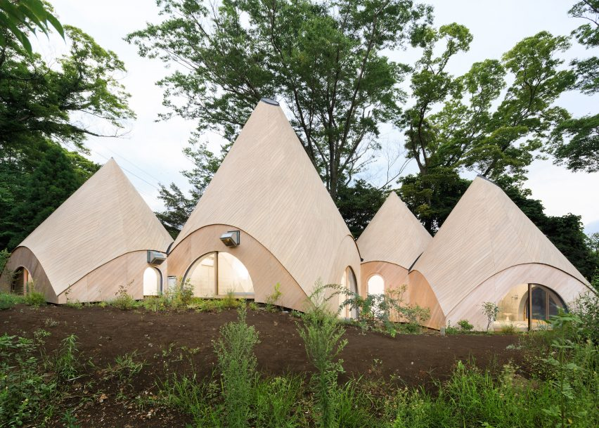 Teepee-shaped buildings Angle