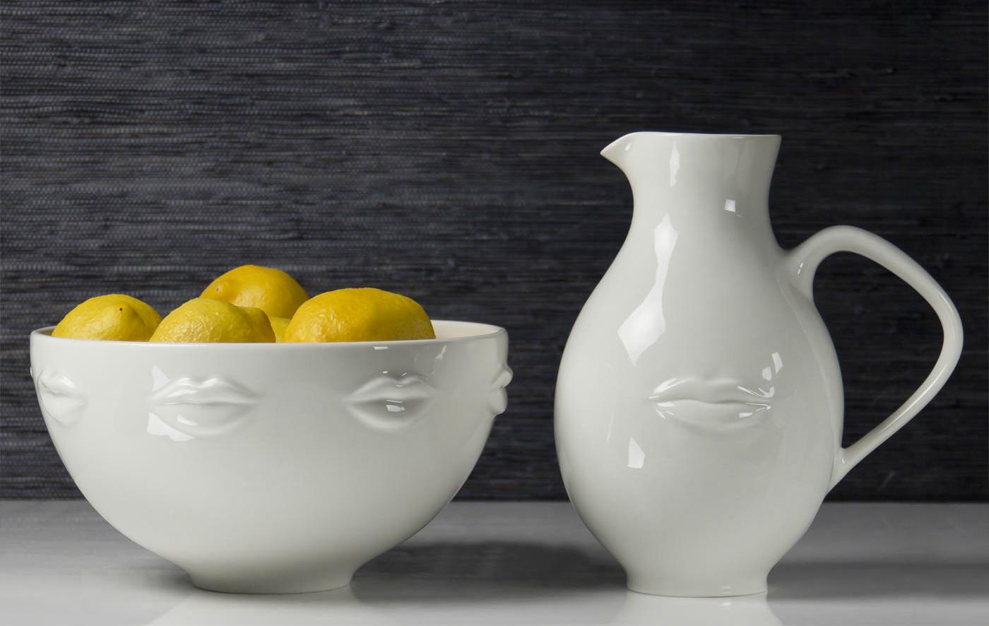White lips pitcher