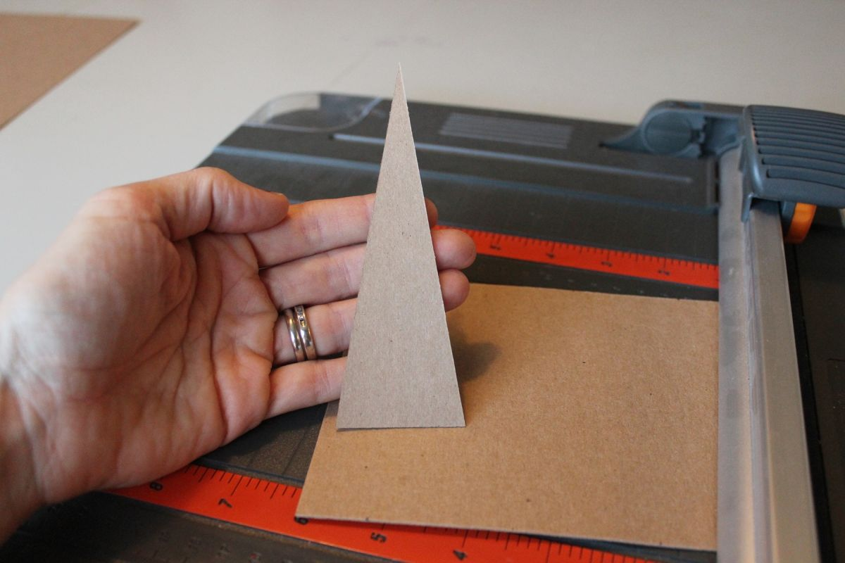 minimalist modern triangular Christmas