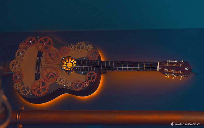 Abyss Pub guitar