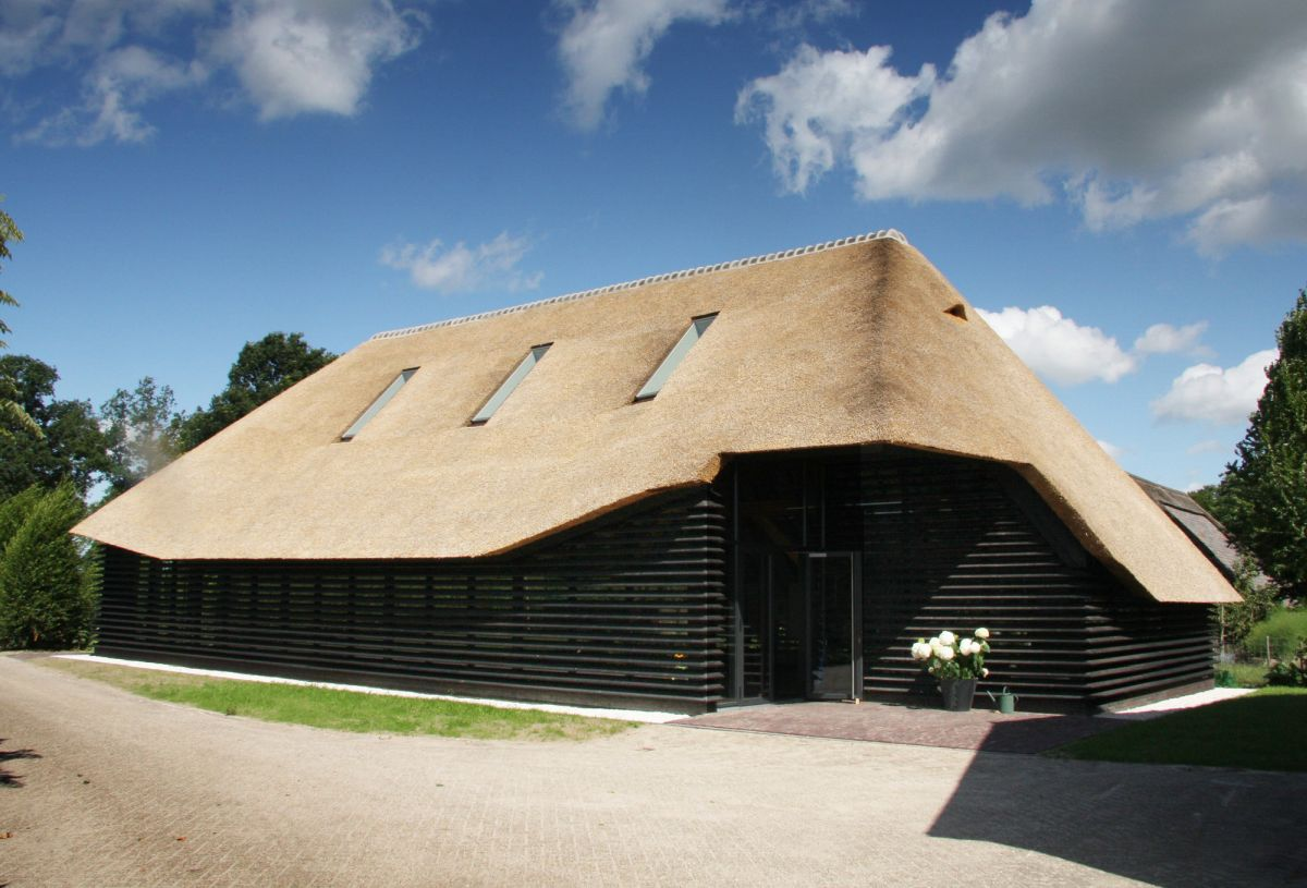Marvelous Buildings That Know How To Make A Thatched Roof Look Modern