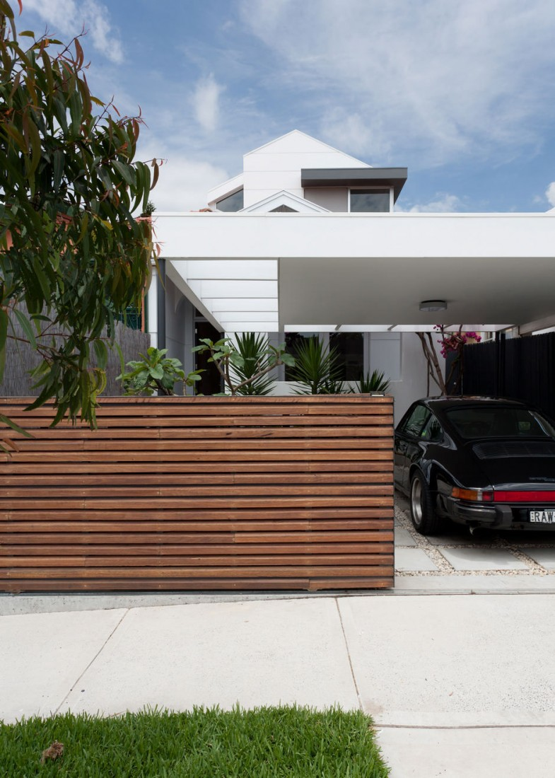 How a horizontal wood fence can impact the landscape and dcor contemporary house with modern wood fence baanklon Images