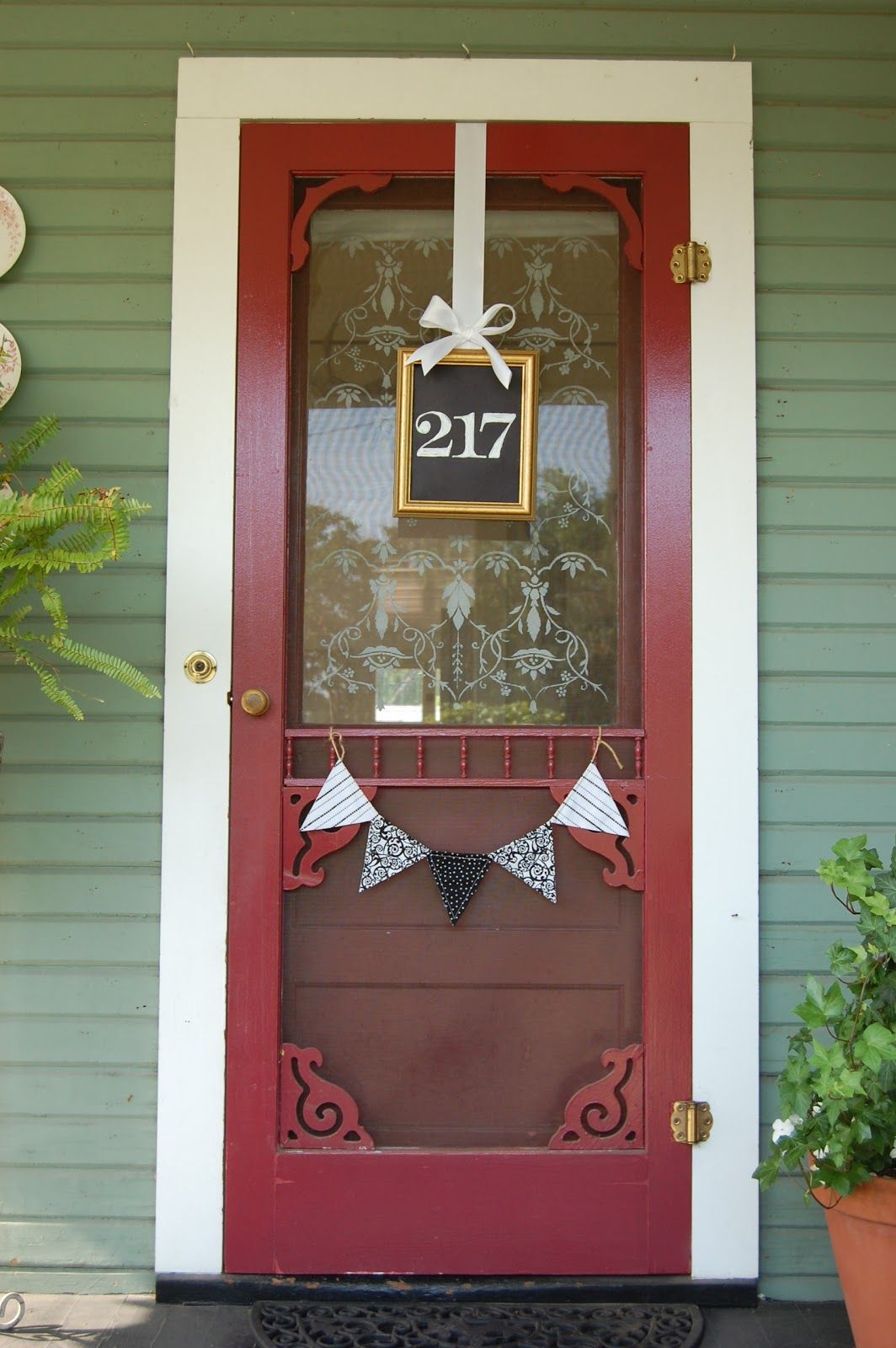 Decorating apartment door numbers pictures : Creative Ways To Craft And Display Your DIY House Number Signs