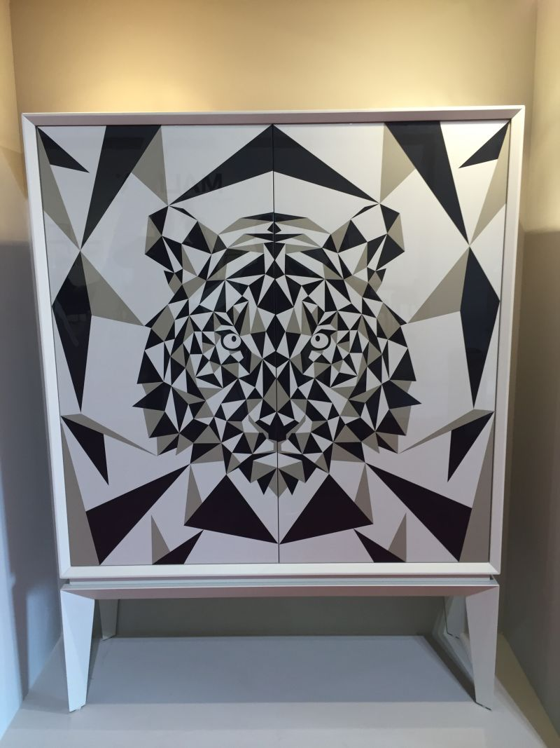 Geometric pattern on sideboard