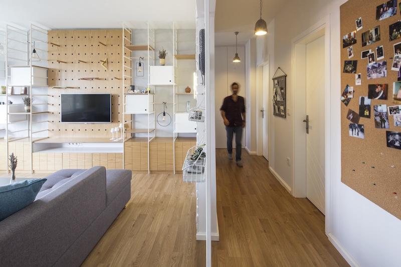 Kiev Levent apartment hallway