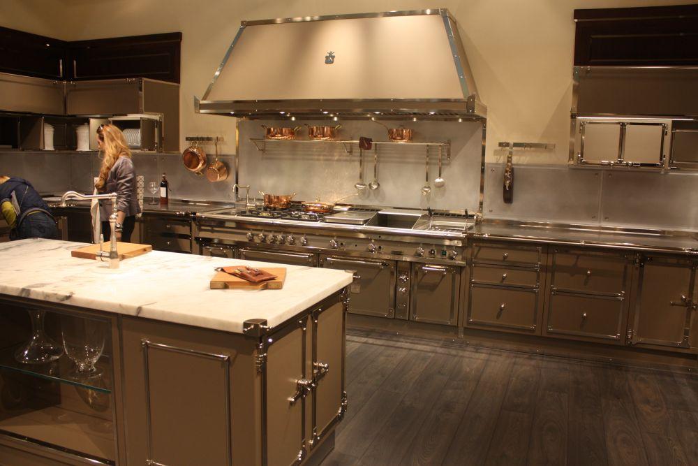 La cornue capucino color kitchen