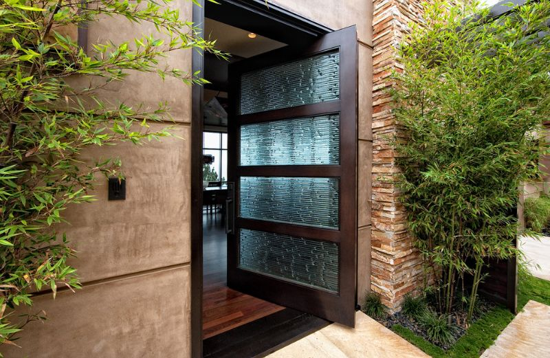 Large Pivot Door With Rain Glass