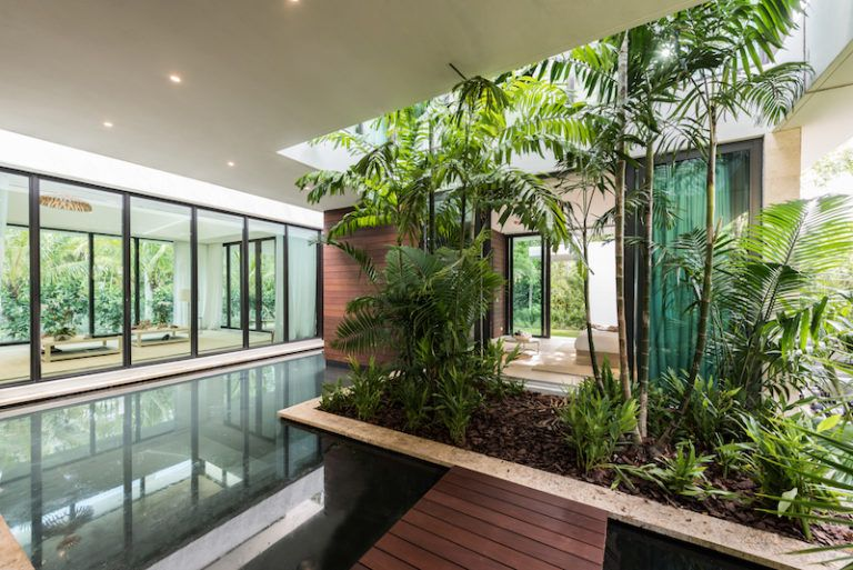 The interior spaces have a very close connection to nature and to the outdoors in general