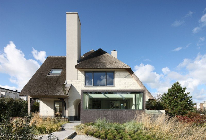 Superior Thatched House Plans #6: Buildings That Know How To Make A Thatched Roof Look Modern