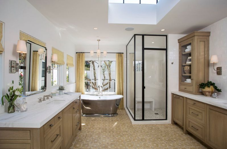 Small walk in shower for a master bathroom