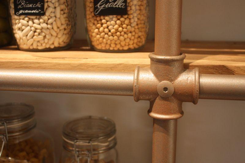 Spagnol shelving detail