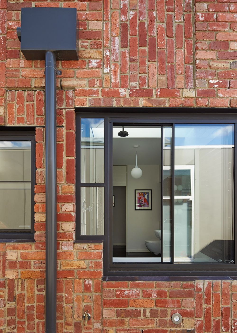 The Cubo House in Australia with Brick Facade