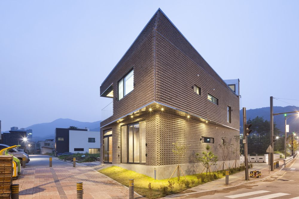 The Scale-ing House in South Korea Back