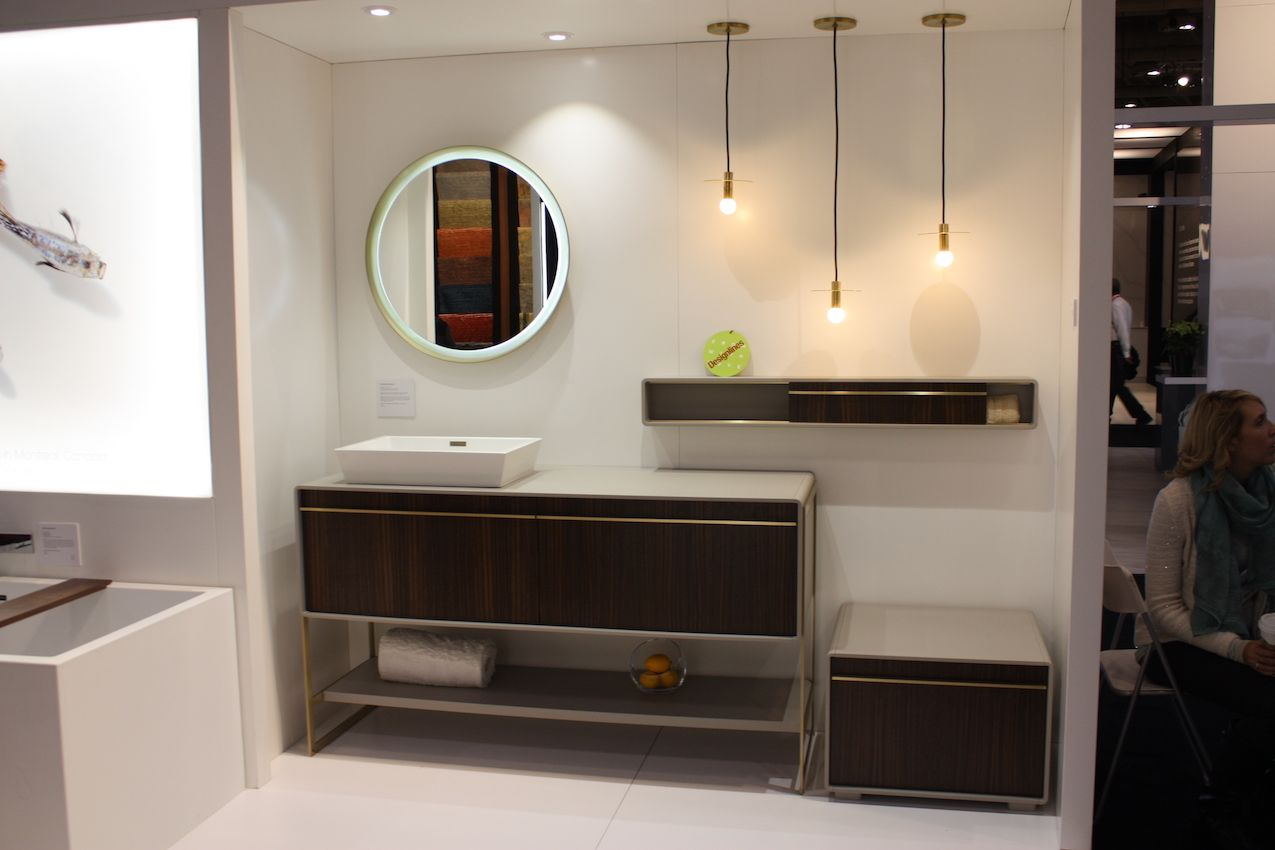 Bathroom Trends at IDS 2017 - Feature Tubs and Compact Fixtures