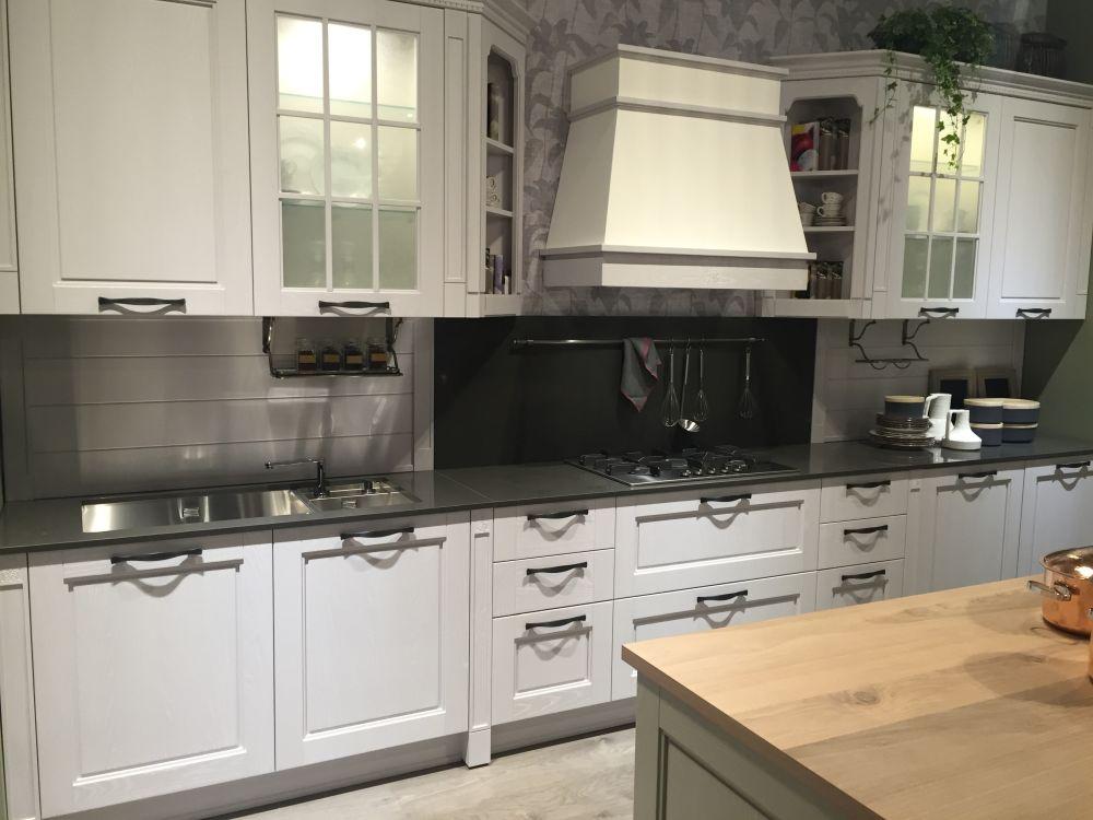 White kitchen with black hardware