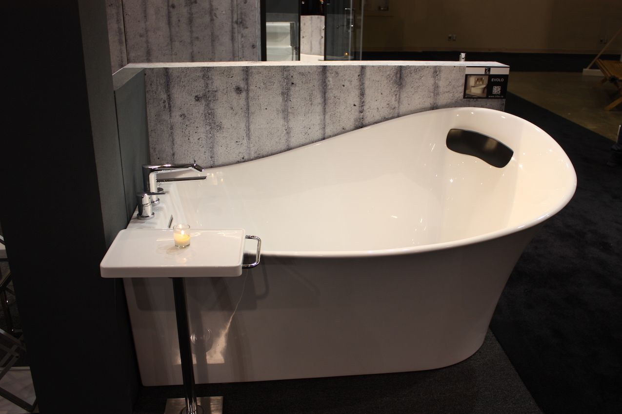 Bathroom Trends at IDS 2017 - Feature Tubs and Compact ...