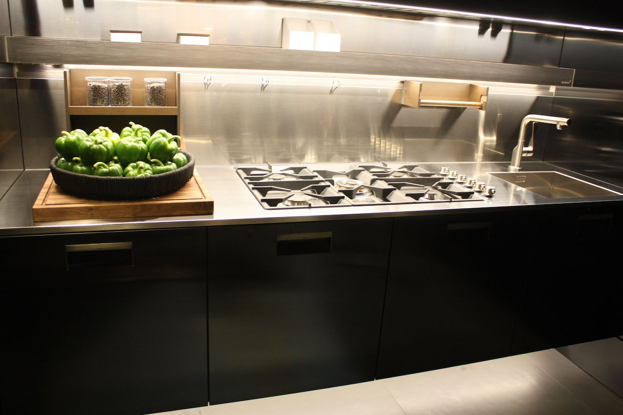 Stainless Steel Countertops Perfect For Hardworking Stylish Kitchens