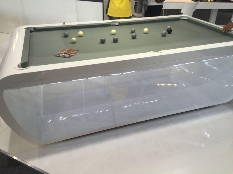 Blacklight pool table