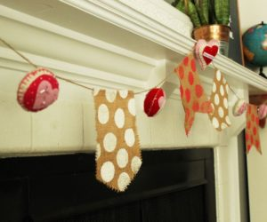 DIY Burlap and Felt Valentine's Day Banner