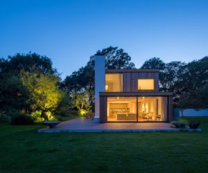 Holiday Home Overcomes The Planning Restrictions By Staying Simple