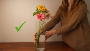How To Arrange Flowers Trick From The Professionals