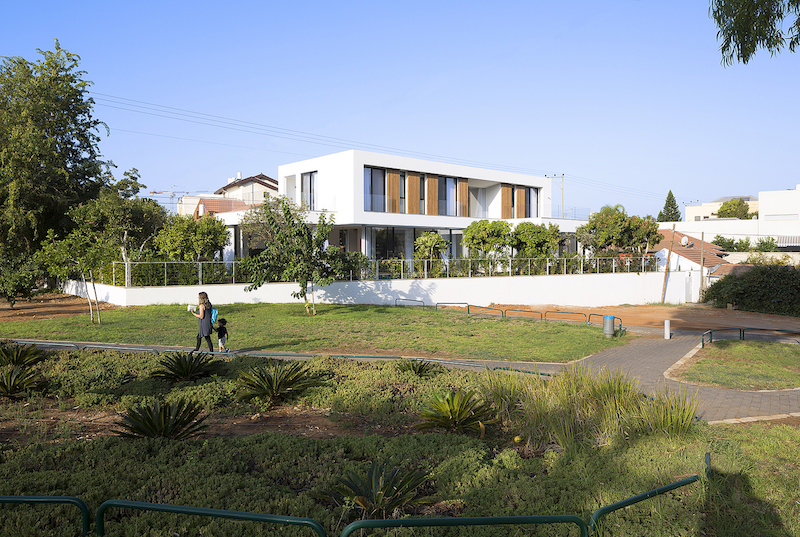 Modern Family Home Surrounded By Ancient Eucalyptus Trees