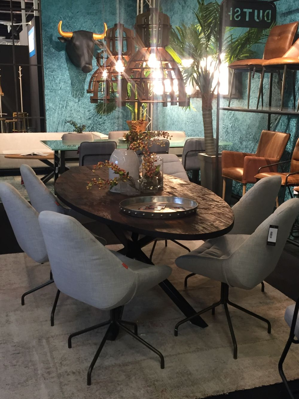 ... View in gallery ... - Oval Dining Table Designs - A Symbol Of Versatility And Sophistication