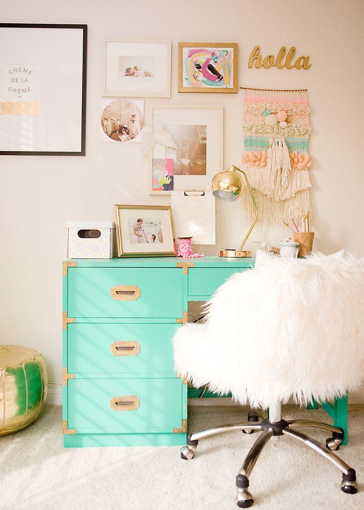 20 Sweet Tips for Your Teenage Girl's Bedroom on Teenage Decor  id=54343