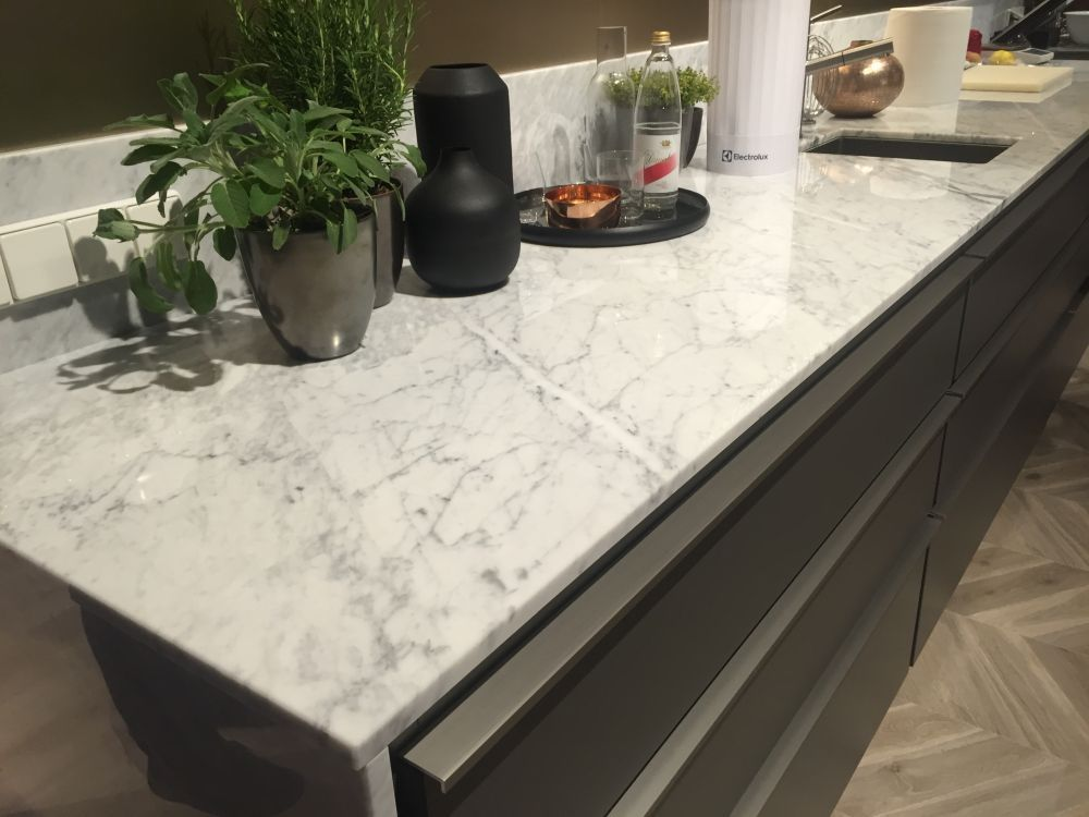 Off White Kitchen Cabinets With Marble Countertops