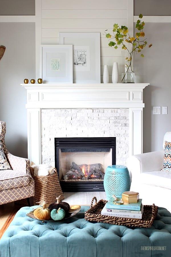 A Simple White Shelf