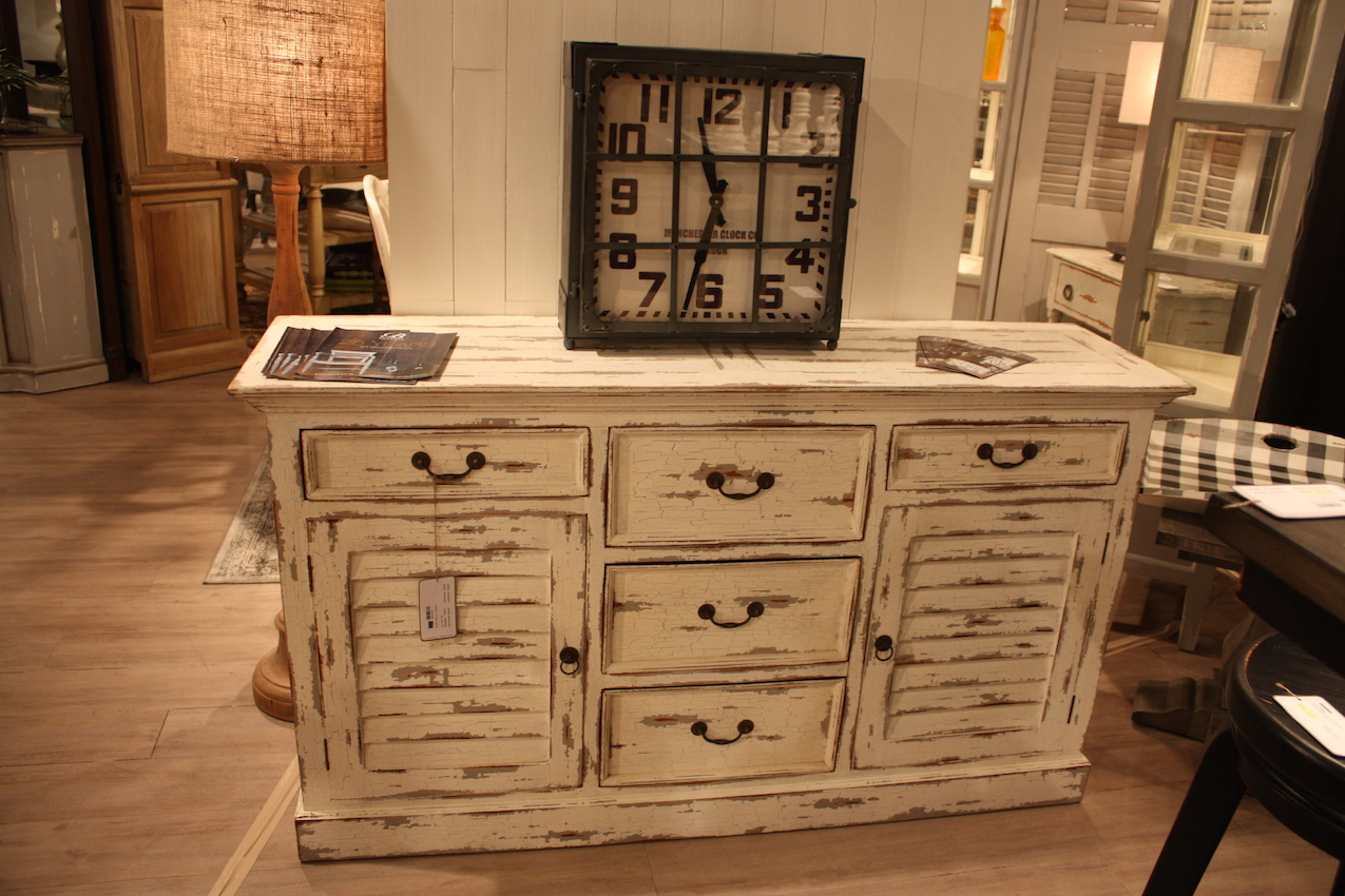The secrets behind distressed furniture and shabby chic decors