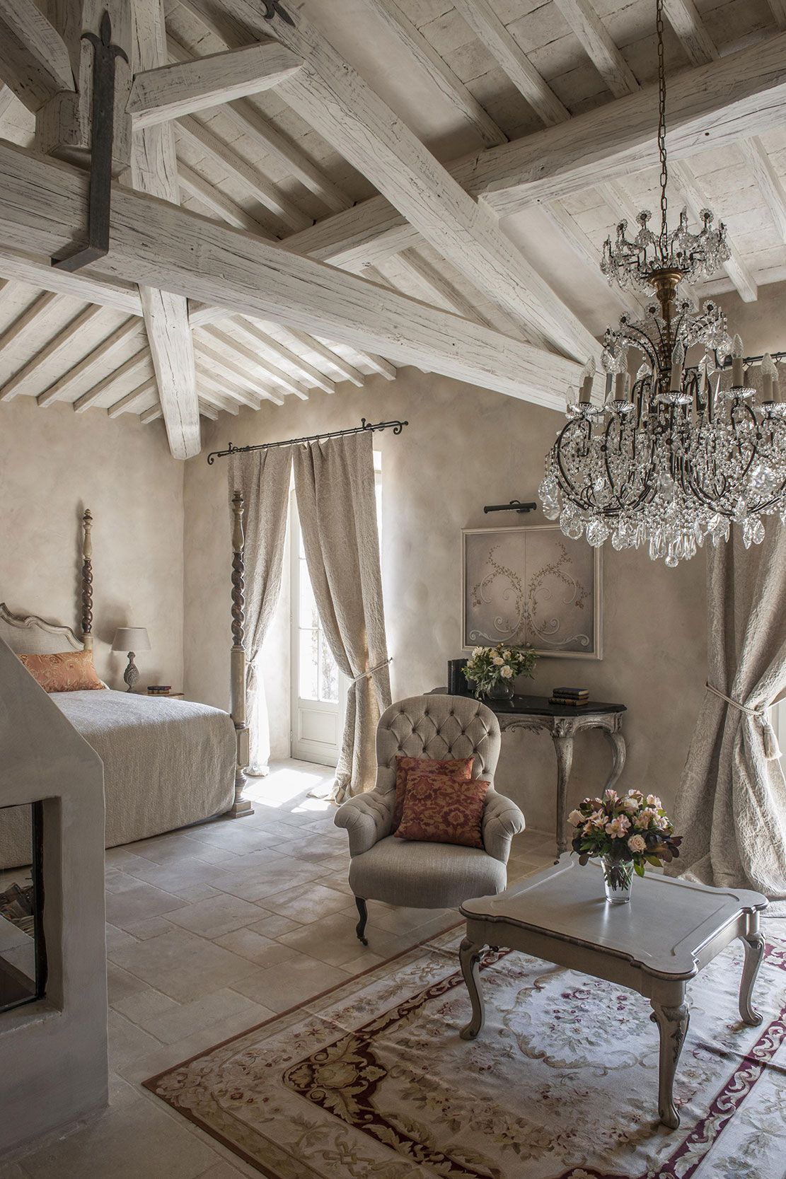 10 tips for creating the most relaxing french country for Country home decorating ideas pinterest