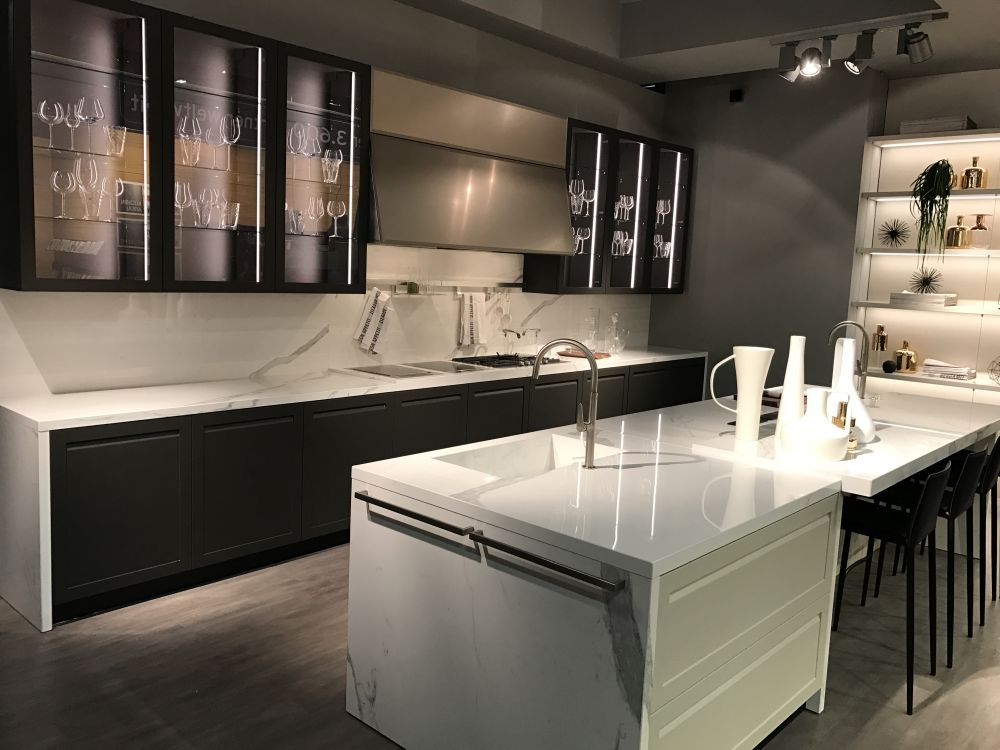 Glass kitchen cabinet doors and the styles that they work well with Kitchen profile glass design