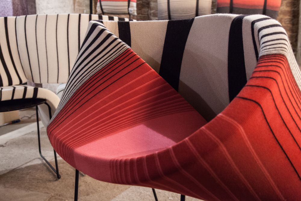 The vertical stripes highlight the geometry of these sofas in a really cool and elegant manner