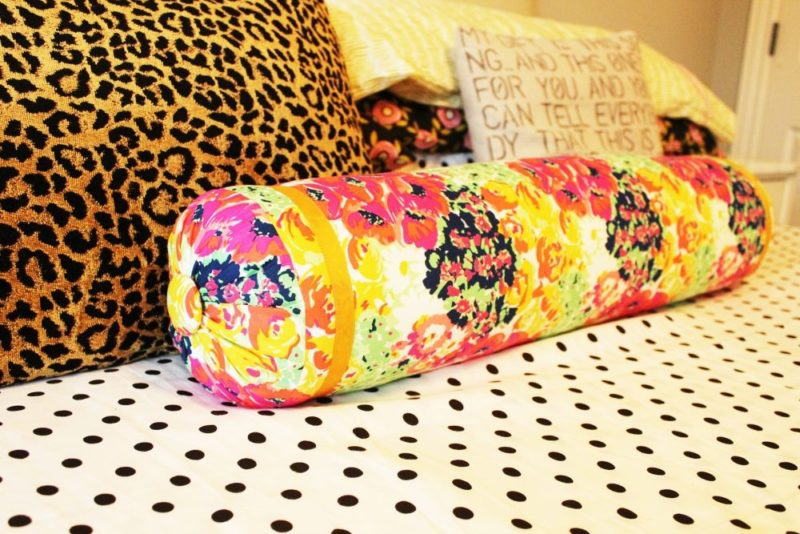 How to Sew a Bolster Pillow Like a Professional