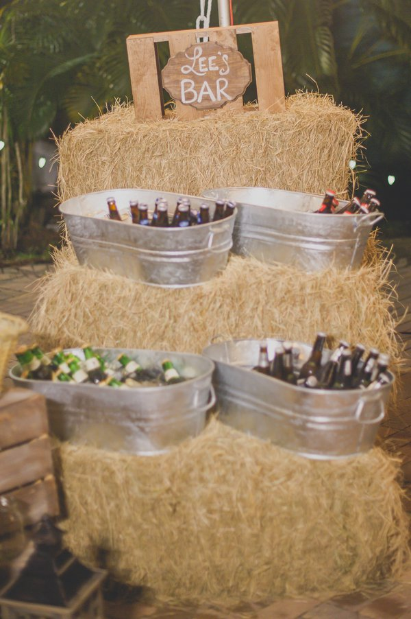 Use hay bales for a rustic barn-inspired décor