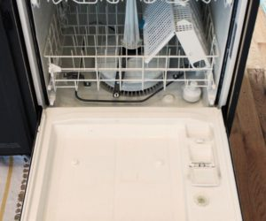 How to Clean a Dishwasher: A Fast and Effective Monthly Practice