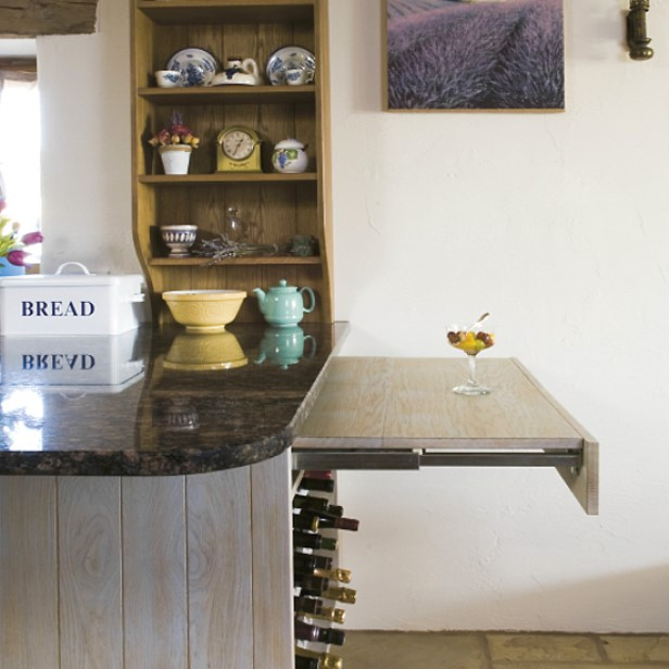 Kitchen Peninsulas Can Work for Even the Smallest Spaces