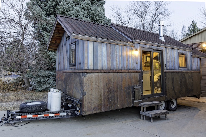Tiny mobile home with unusual decor features for Palace design homes