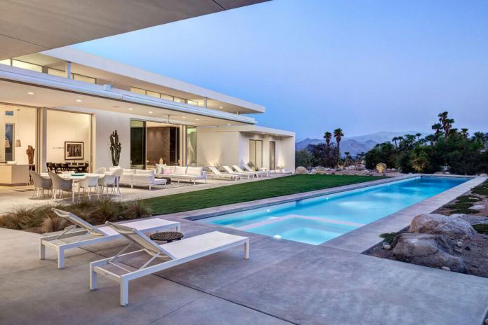 Houses with cozy quiet and relaxing backyard pools - Palm springs swimming pool contractors ...