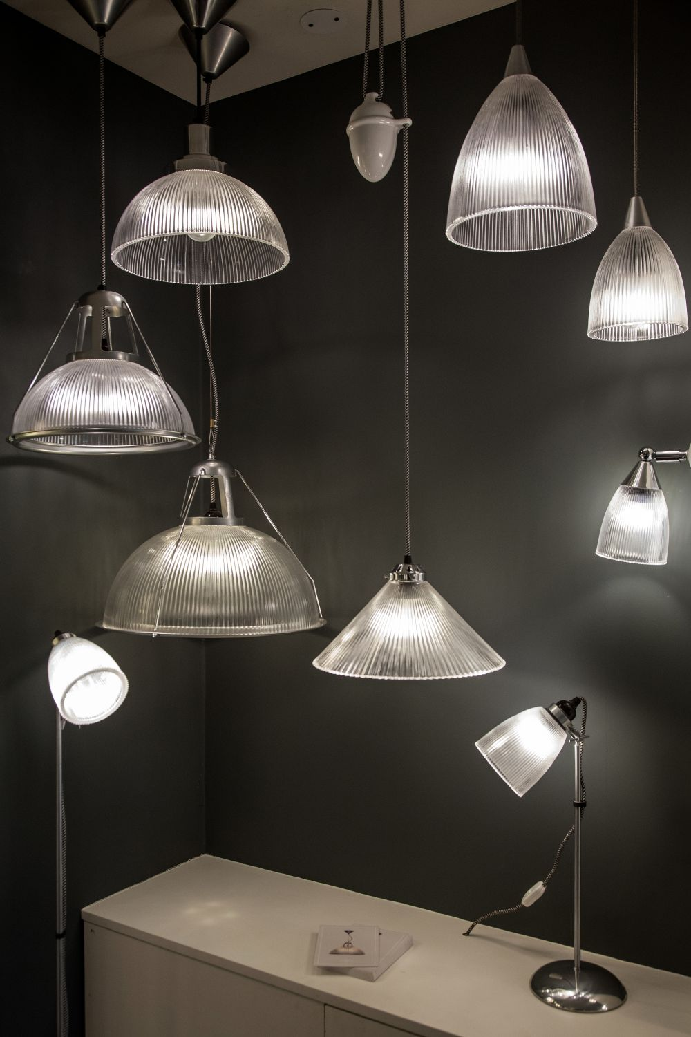 Hanging pendant lighting that mesmerizes in the most elegant ways view in gallery arubaitofo Gallery