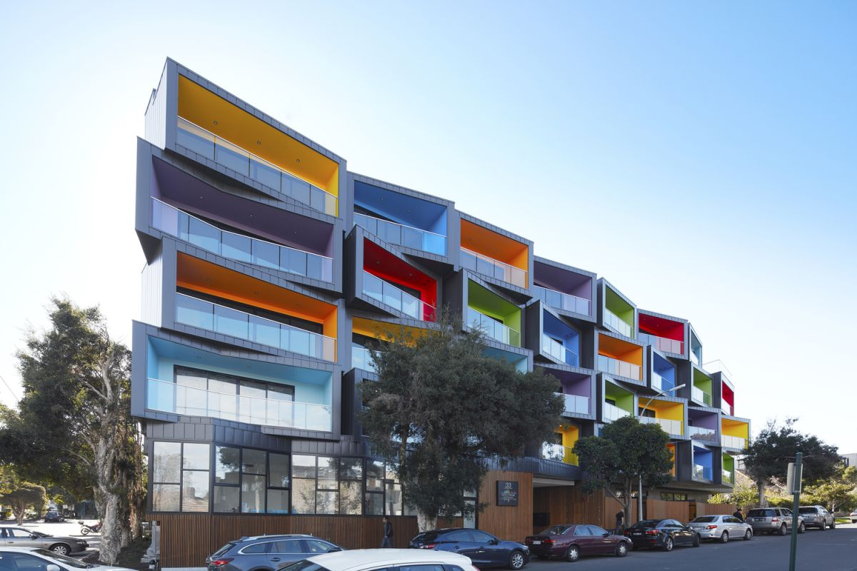 Apartment buildings that break the pattern with their for Apartment urban design