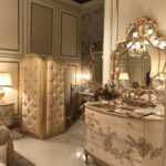 Baroque dressing sideboard with mirror and folding screen