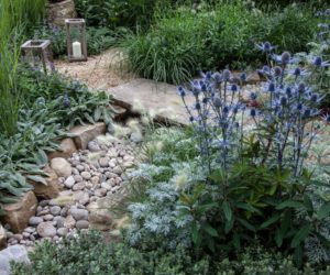 If You Want To Add Some Warmth To Your Garden Or To Make Your Backyard Seem  More Inviting, Use Beach Pebbles Or River Rocks. They Create This Casual,  ...