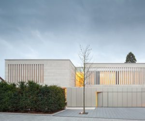 Contemporary Car Garage for one car Residence in Weinheim by Architekten Wannenmacher+Möeller