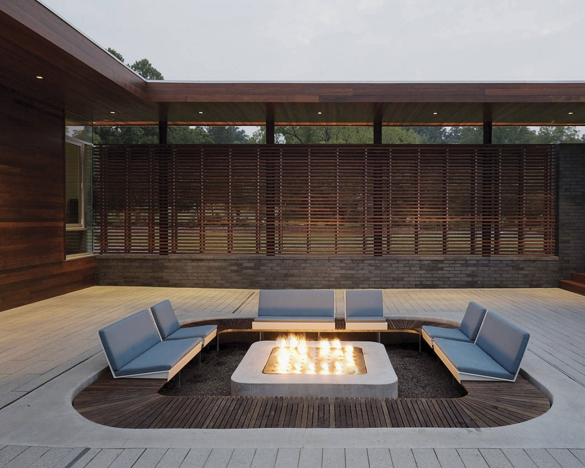 Outdoor Fire Pit Seating Ideas That Blend Looks And