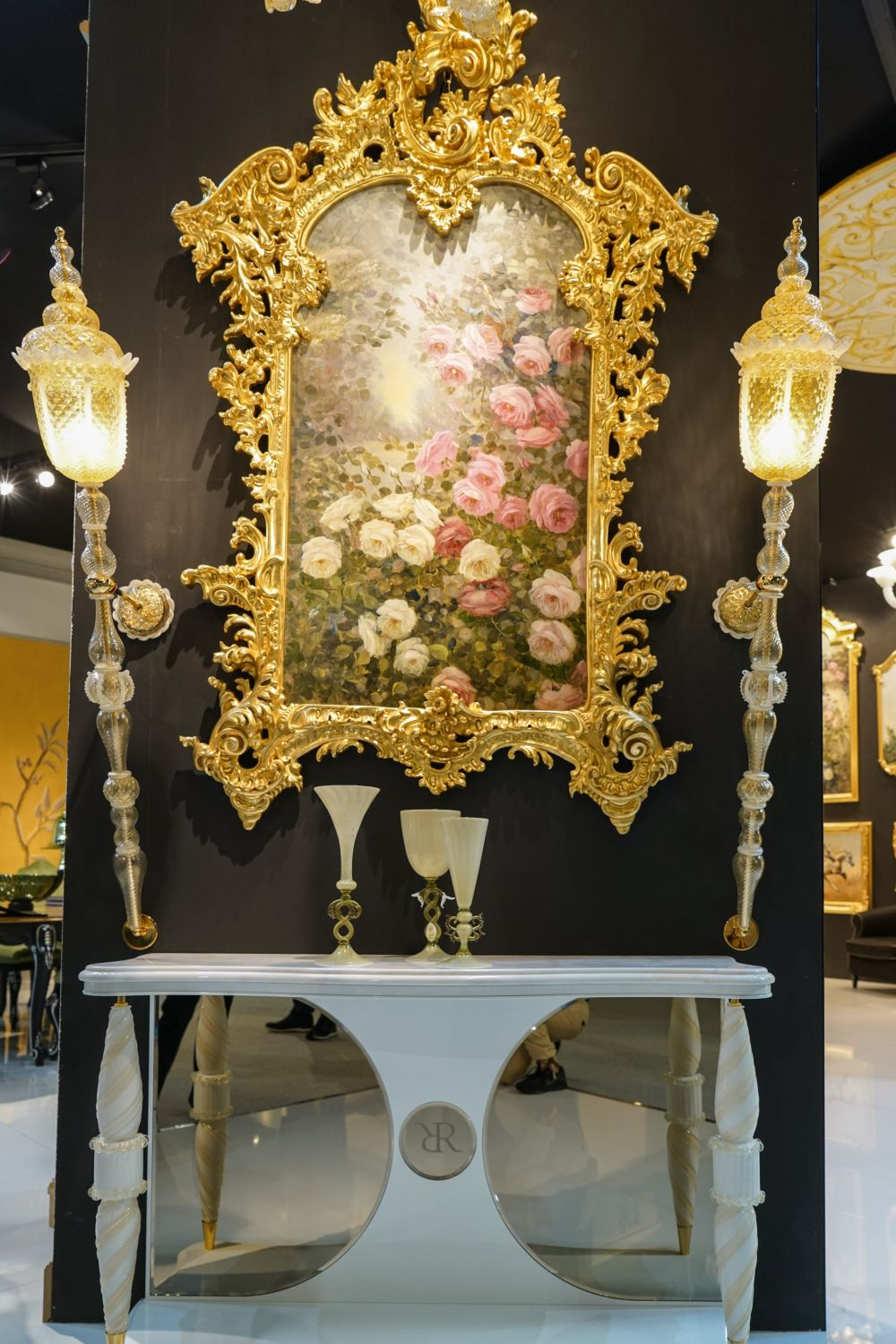 Details make the difference in baroque rococo style furniture for French baroque characteristics
